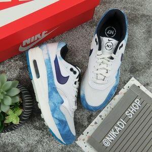 Nike Air Max 1 Cloud Sneakers